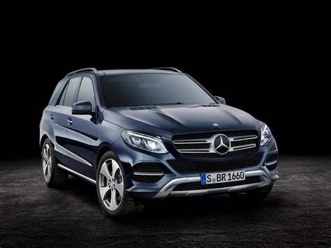 More stars mean safer cars. Hello 2016 Mercedes-Benz GLE-Class, Goodbye Mercedes ML ...