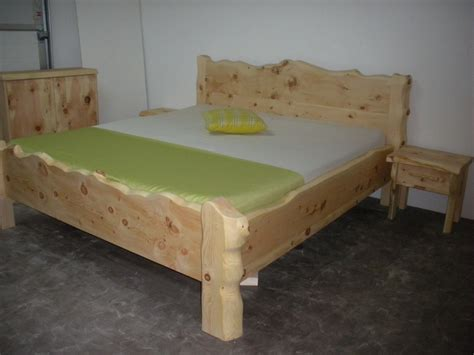 Badezimmermöbel Zirbenholz by Zirbenholz Bett Tradition Enzian M 214 Bel Krenn