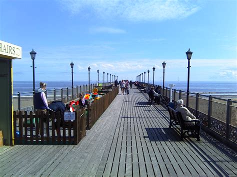 File:Skegness Pier Deck.jpg - Wikimedia Commons