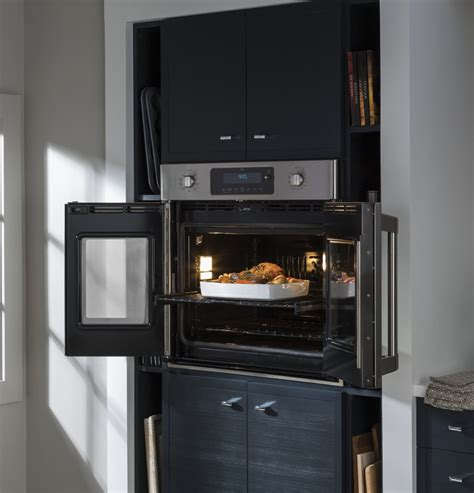 ge ctshss   single french door electric wall oven   cu ft true european