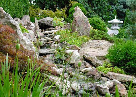 Natürlicher Bachlauf Garten by Bilder Gartenteich Terrasse Sichtschutz Gartenplanung