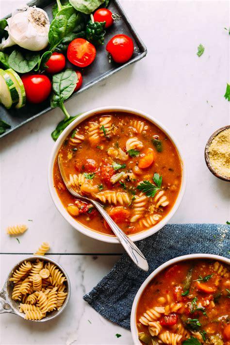 Hearty Minestrone Soup Recipe - Deelux Kitchens
