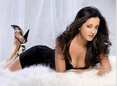 Download Raima Sen Bollywood Actress Unseen Hot and Sexy
