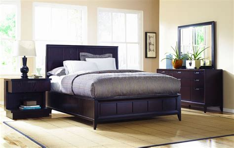 Dark Wood Finish Contemporary Bedroom W/optional Casegoods