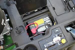 John Deere Z235 Zero Turn Mower - Tools In Action
