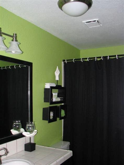 master bathroom   lime  green walls