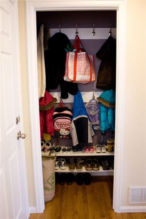 remodelaholic reinterpreting the closet to a mini