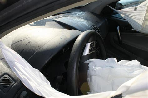 2007 saturn vue driver side and curtain airbags deployed