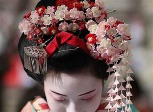 Fashion Accessories of Geisha of Japan
