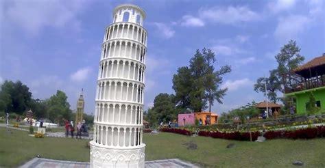 world landmarks merapi park wih  menara eiffel