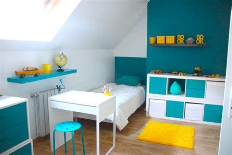 chambre bleu et jaune décoration chambre enfant bleu et jaune