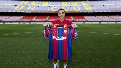 Sergino Dest transfer: Barcelona announce signing of ...
