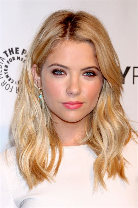 Celeb Inspired Super Chic Shoulder Length Haircuts