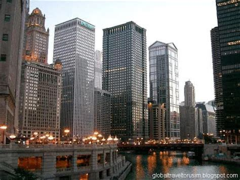 chicago illinois interesting visitor spot travel  tourism