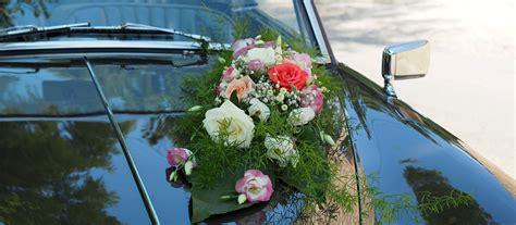 fleuriste decoration voiture mariage mariage sur la piste du sambuc vauvenargues d 233 coration voiture ancienne alvis fleuriste