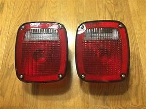 Pair Trailer  Truck Tail Lights W  Bulbs
