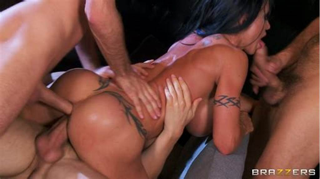 #Bombshell #Jewels #Jade #Gets #Double #Penetrated #And #Gives #Blowjob