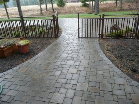 driveway paver patterns front brick paver patterns brick and cobblestone paver driveways vs crushed stone driveways