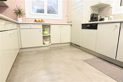 beton cire sur carrelage de cuisine sol cuisine bton cir sol bton cir coul bricolage avec robert sol bton cir brillant effet
