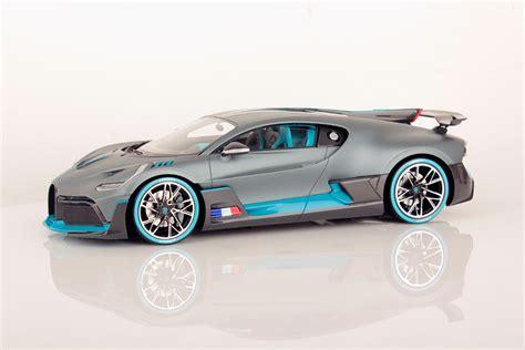 429,95 € bugatti divo italian red matt. Bugatti Divo Launch Version