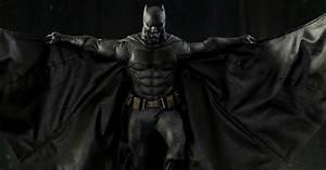 Batman Suicid Squad : batman suicide squad hot toys figure revealed cosmic book news ~ Medecine-chirurgie-esthetiques.com Avis de Voitures
