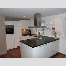 Küche Weiß Hochglanz Arbeitsplatte Schwarz Wohndesign