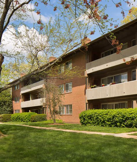 Apartment Communities Alexandria Va by Brookdale At Center Apartment Homes For Rent In