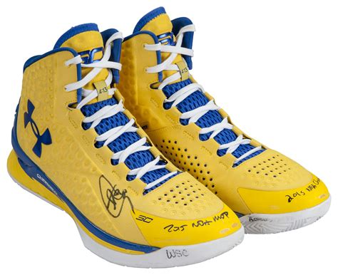 lot detail  stephen curry game  nba finals worn
