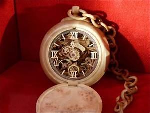 Uhren Aus Holz : holz armbanduhr aus der ukraine ~ Whattoseeinmadrid.com Haus und Dekorationen
