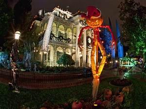 Halloween Time at Disneyland + 2016 Mickey's Halloween