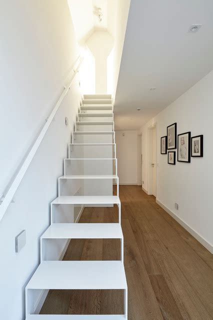 treppe zum spitzboden modern treppen essen von