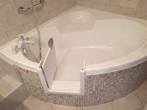 pose dune porte etanche sur une baignoire dangle renovbain With baignoire d angle avec porte