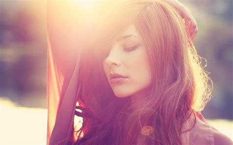 Pics Brown Hair by With Brown Hair In The Sun Wallpapers And Images