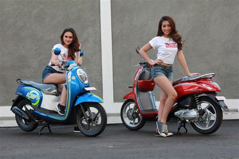 Spesifikasi Scoopy 2016 by Warna Baru Honda Scoopy Fi 2016 Blue Dan Vogue