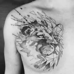 tatouage tete de tigre geometrique