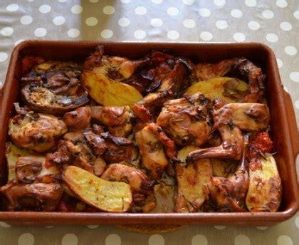 cuisiner cuisse de lapin lapin rôti au four qui cuit tout seul recette de lapin