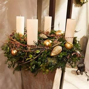 Advent Deko Für Draußen : weihnachtliche kr nze in stimmiger warenpr sentation advent pinterest christmas christmas ~ Orissabook.com Haus und Dekorationen