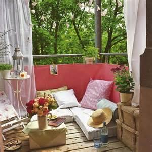 sofa fã r balkon 36 balkon ideen für den sommer freshouse