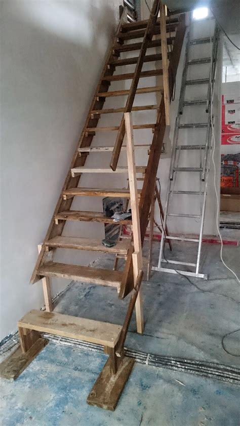 treppengeländer holz selber bauen bolzentreppe aus granit und edelstahl treppengel 228 nder
