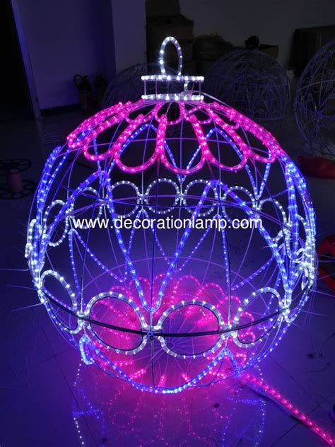 places that sell big christmas lutside balls large outdoor balls lights