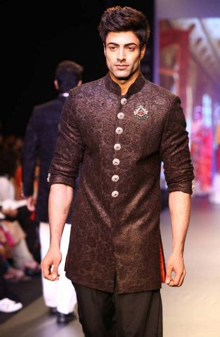 Indian Wedding Guest Outfits for Men | Kurtas Designer Suits