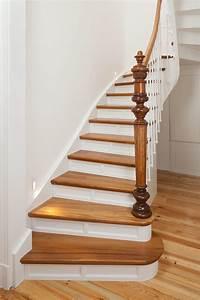 Treppe Geölt Oder Lackiert : premium treppen handgefertigt exklusiv die treppe f r den besonderen geschmack treppenbau vo ~ Markanthonyermac.com Haus und Dekorationen