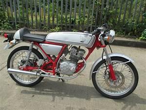 Moto Honda 50cc : honda ac 15 dream 50cc honda mopeds and motorbikes ~ Melissatoandfro.com Idées de Décoration
