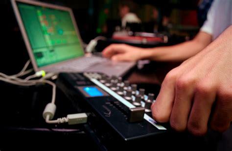 digital media courses toronto trebas institute toronto open house september 25th study