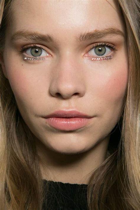 Maquillage Féminin . Photo Gratuite