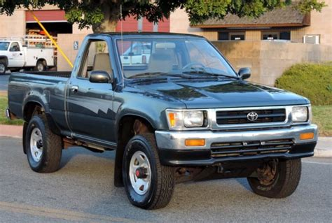 California Original,one Owner 1992 Toyota Pickup Dlx 4x4 Shortbed,100% Rust Free For Sale
