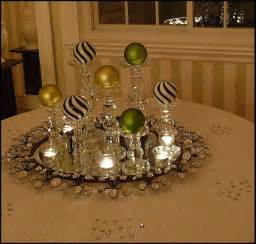 22 christmas centerpieces that will embellish your dining room decor for the holidays