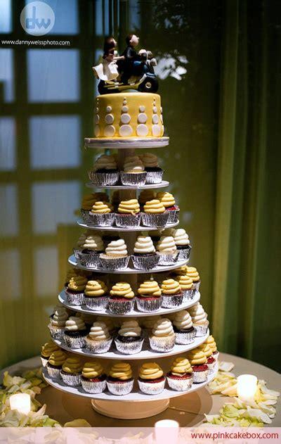wedding cupcake stands pink cake box custom cakes