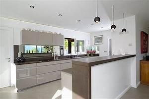 cuisine semi ouverte avec ilot separateur roque interieurs With luminaire de salle À manger pour petite cuisine Équipée