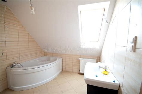 Neues Badezimmer Stockbild. Bild Von Auslegung, Raum